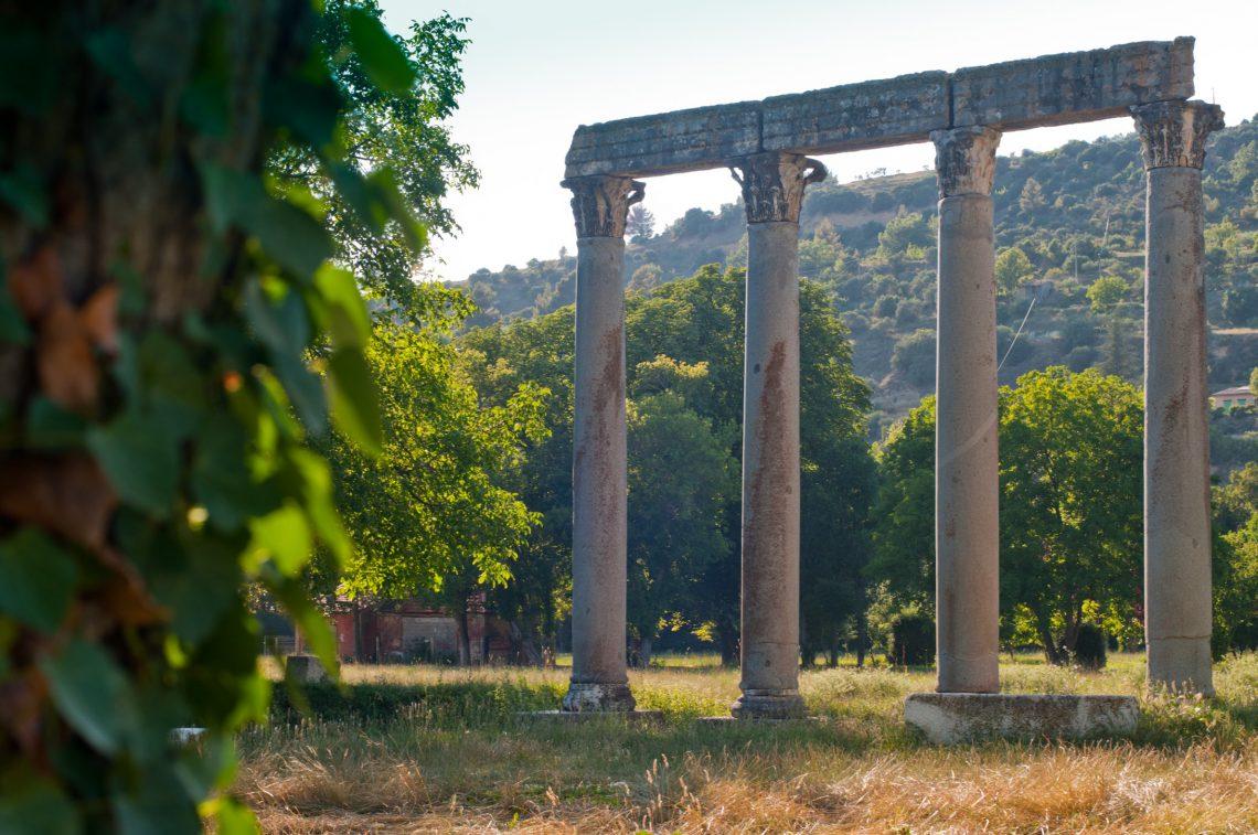 Quattro colonne di granito monolito di Riez ©Mir
