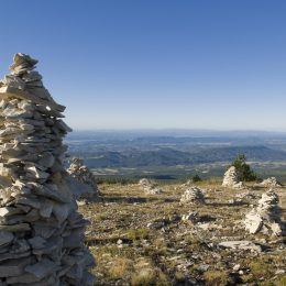 Montagne de Lure dans le parc naturel régional du Luberon ©M. Boutin