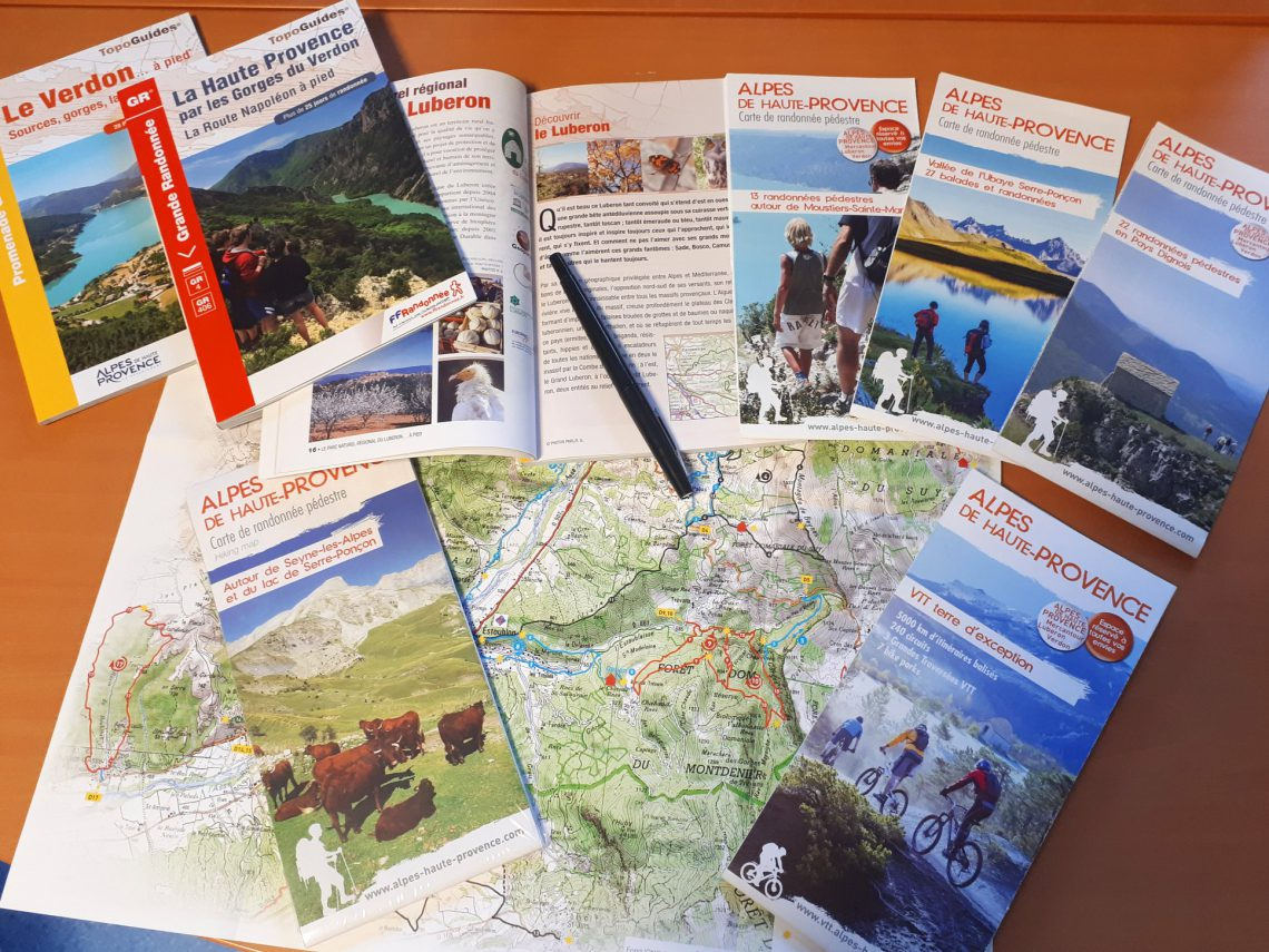 Boutique Topoguide, guide di percorso, in francese