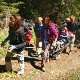 Vacances pour tous - Tourisme & handicap Joelette Fanget ©P Tavan