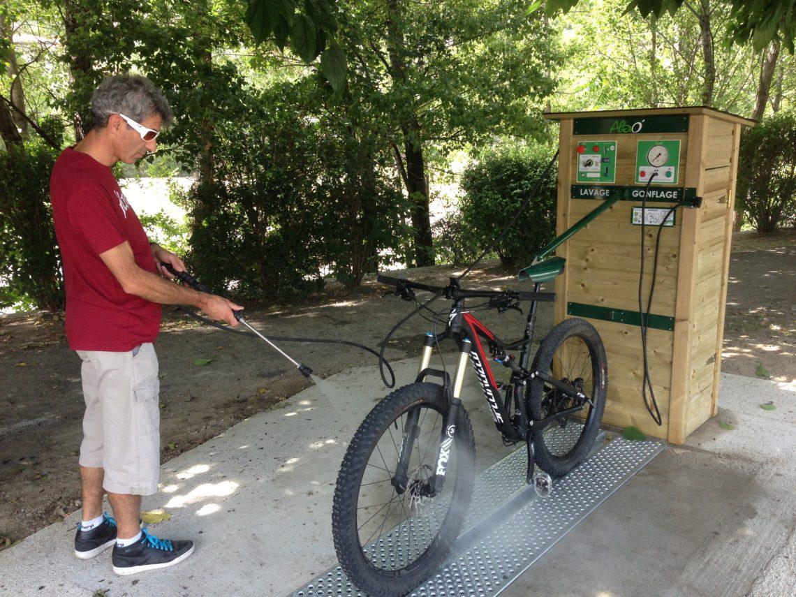 Stazioni di servizio per biciclette e mountain-bike