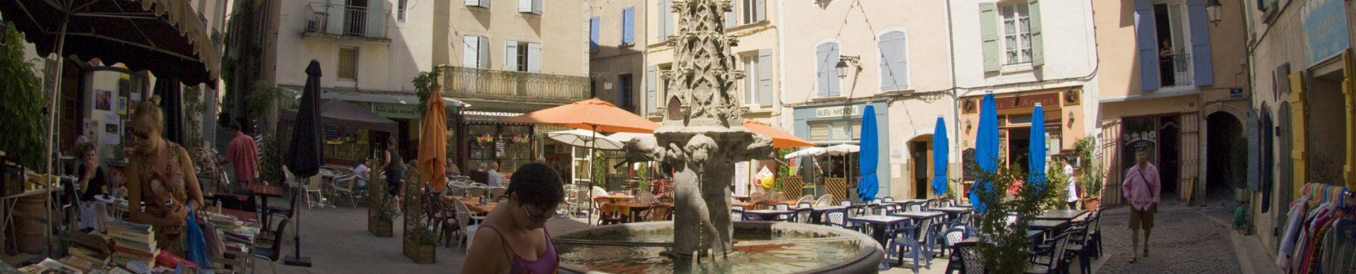 Forcalquier place St Michel ©M. Boutin