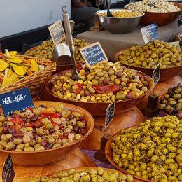 mercati nelle Alpes de Haute Provence